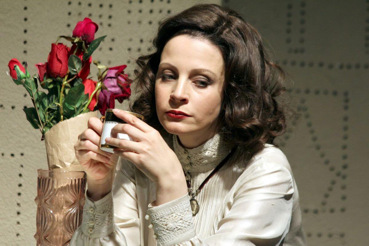 Дієта актриси Євгенії Крюкової: 6 золотих правил стрункості