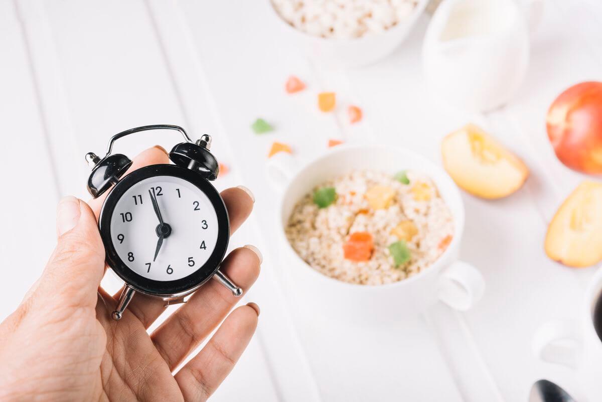 Сніданок-скраб з вівсянкою і горіхами для схуднення і очищення організму