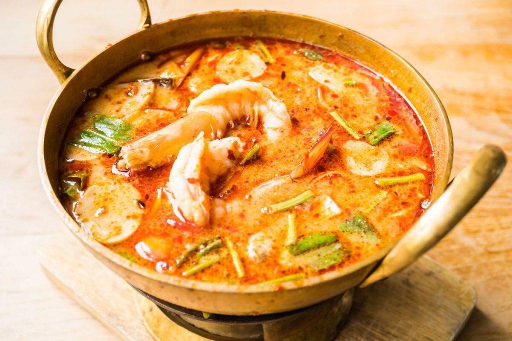 Сирний суп з креветками і ароматною зеленню