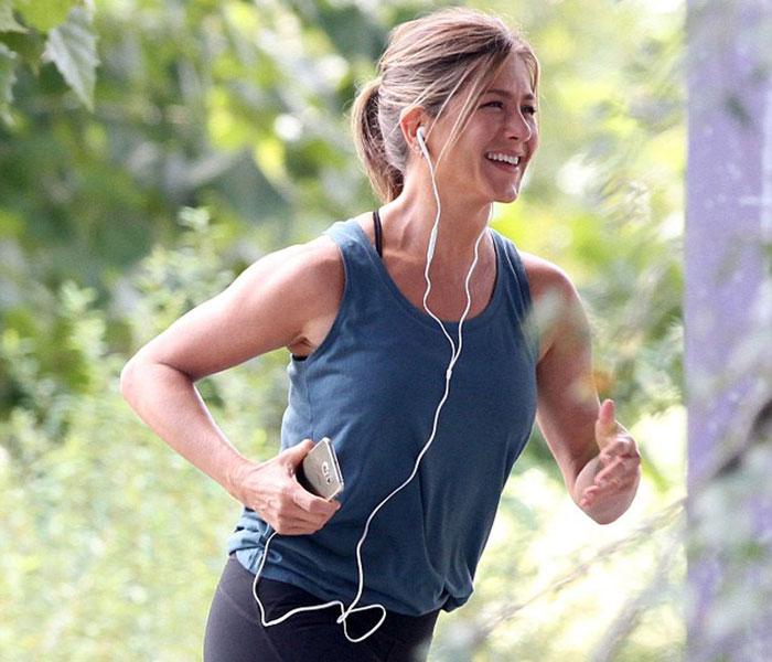 У 50 виглядає на 25: харчування і спорт Дженніфер Еністон