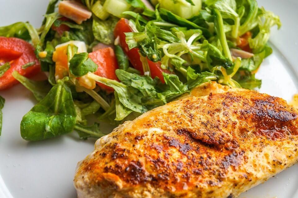 Недорогий вечеря з курки для тих, що худнуть: 3 рецепта