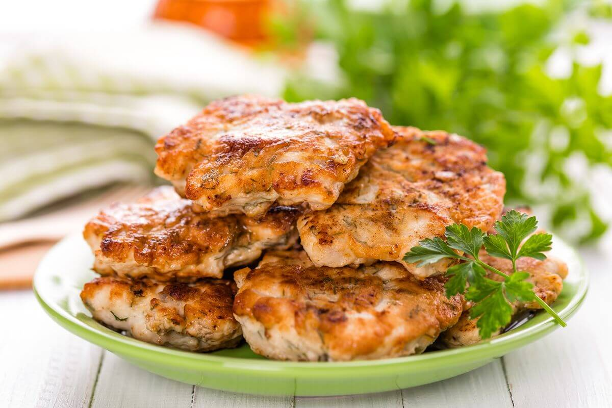 ТОП–5 рецептів найніжніших котлет з мяса птиці