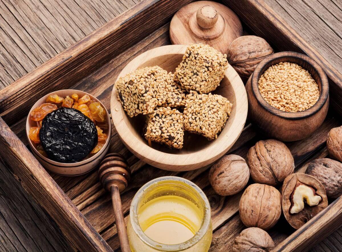 Антивікова дієта — харчування проти старіння. Їмо і молодшаємо