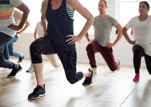 Як схуднути в колінах — позбавляємося від жирових валиків