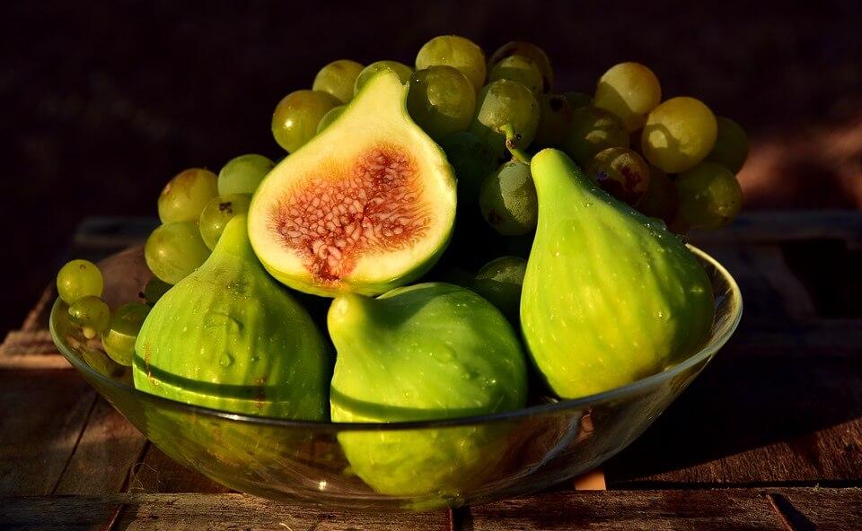 8 чудо-продуктів, які позбавлять від набряків