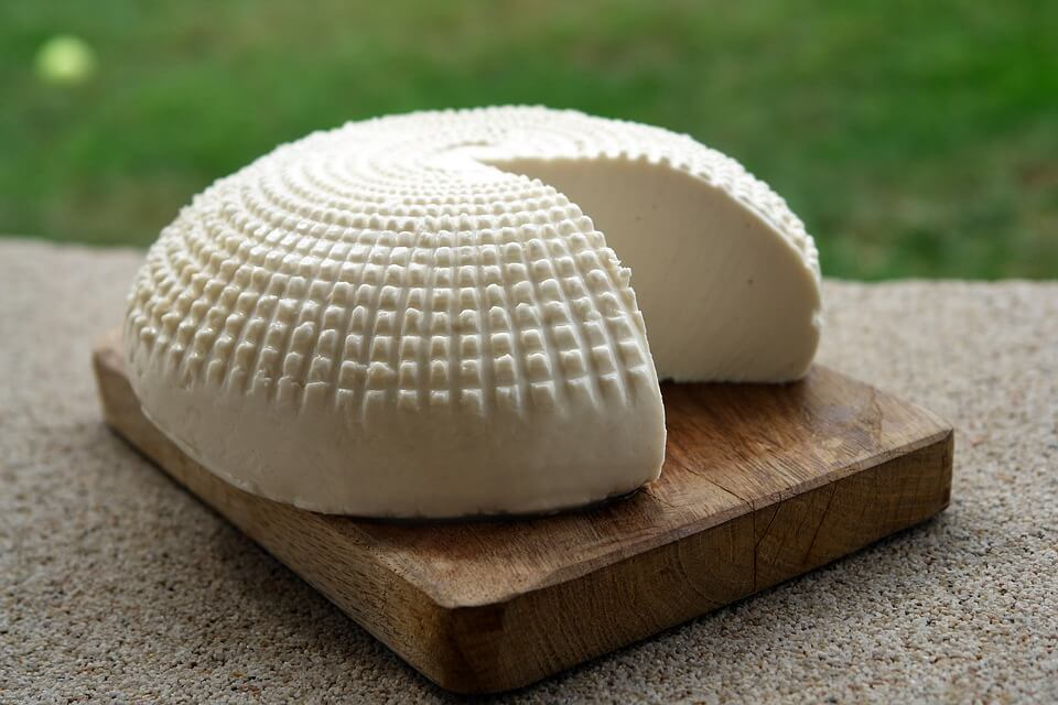 Пять рецептів домашнього сиру: просто і дуже смачно