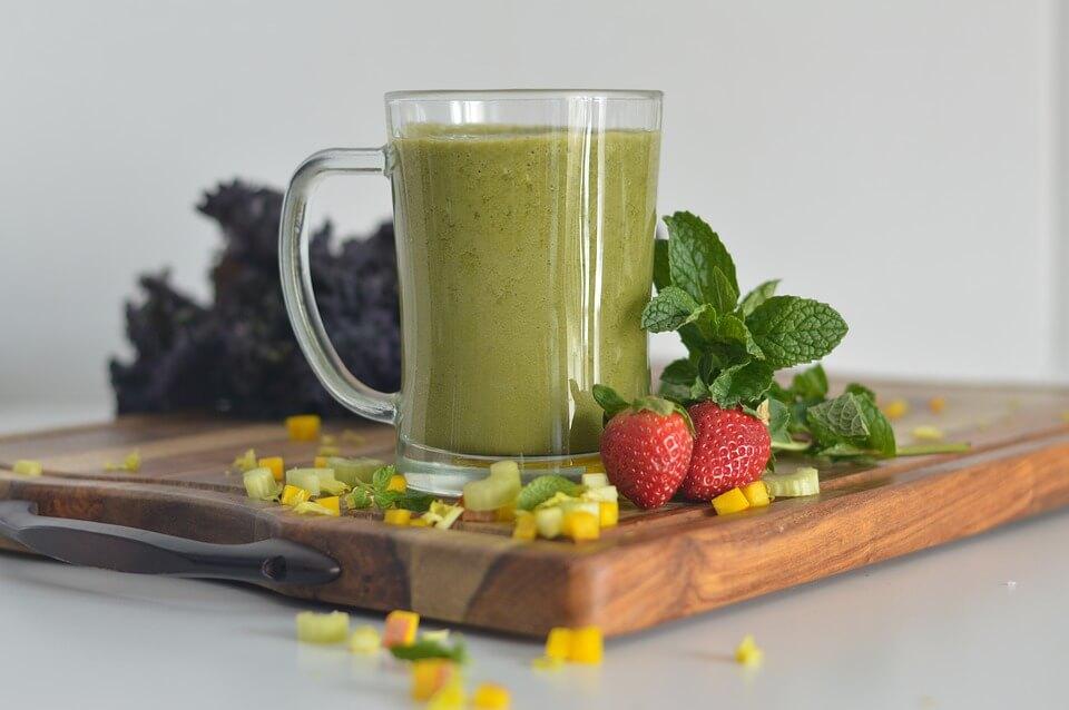 Петрушка і лимон: рецепти для схуднення та зняття набряклості
