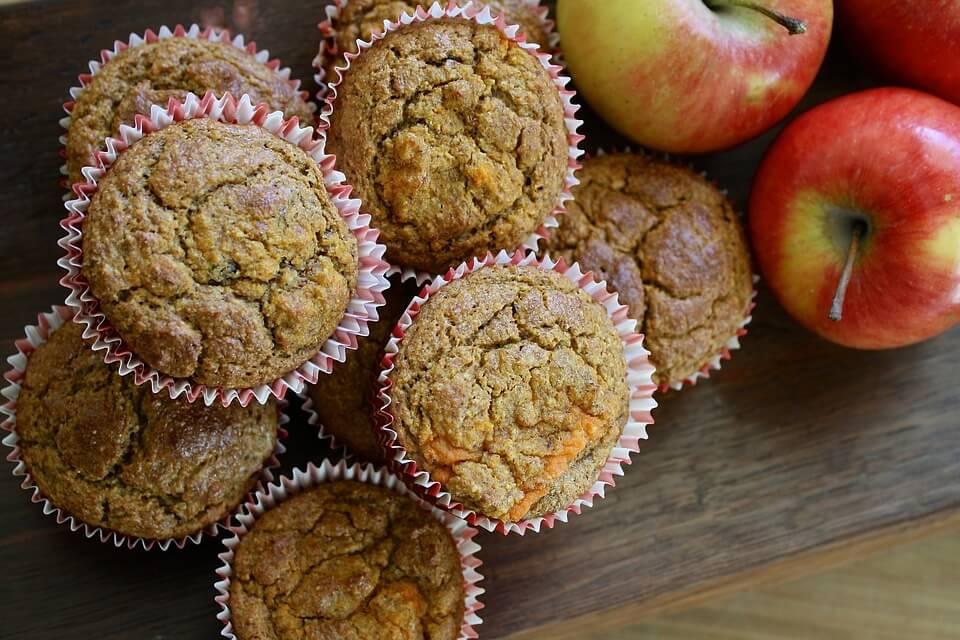 Корисна випічка: кекс з вівсяних пластівців з яблуками
