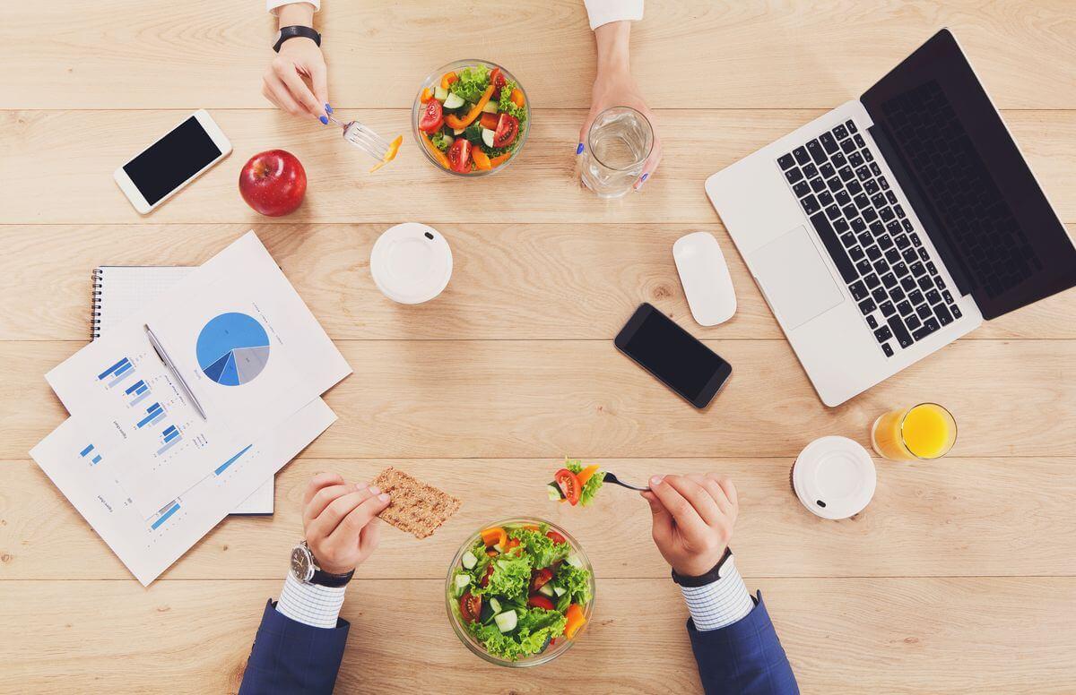 Сидяча робота, або як схуднути в офісі: 5 порад