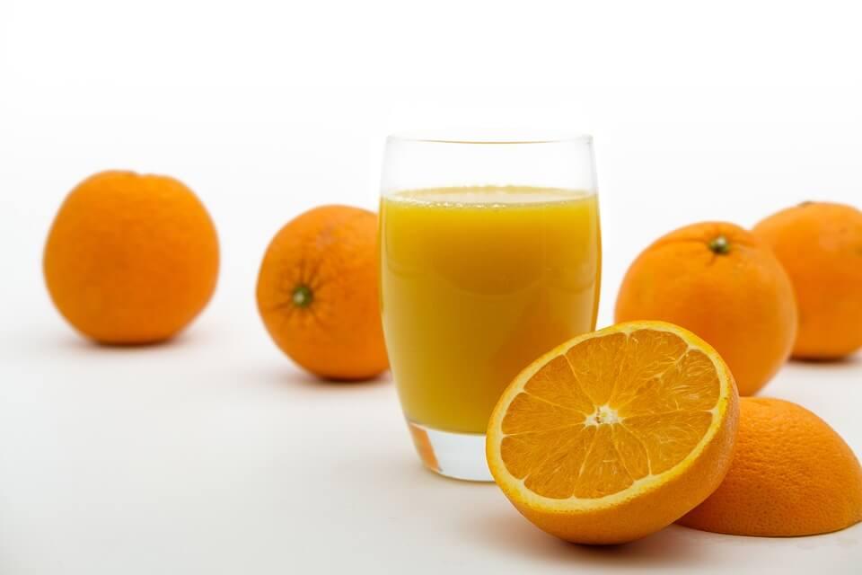 Що корисніше: фрукти або соки?