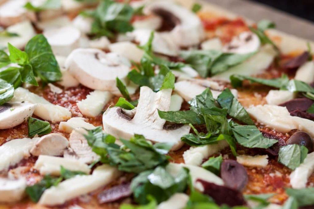 Незвичайна дієтична піца з цвітної капусти