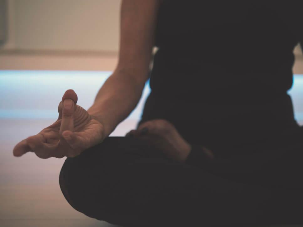 Тибетська гімнастика для довголіття: вправи ченців