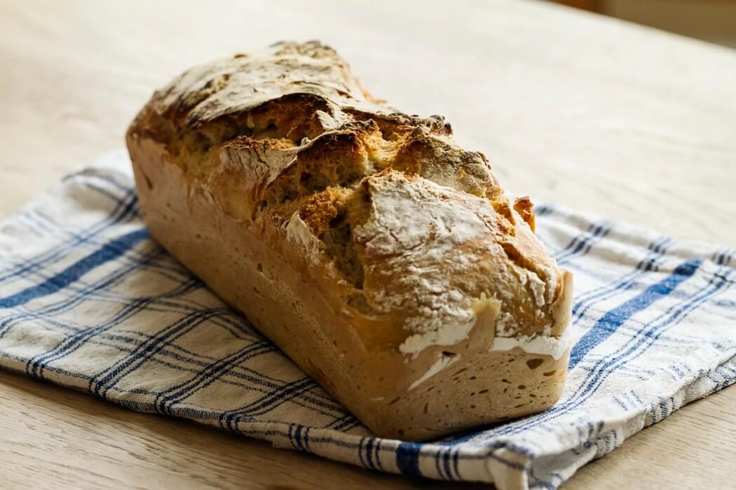 Домашній цільнозерновий хліб в духовці — смачно, як у бабусі!