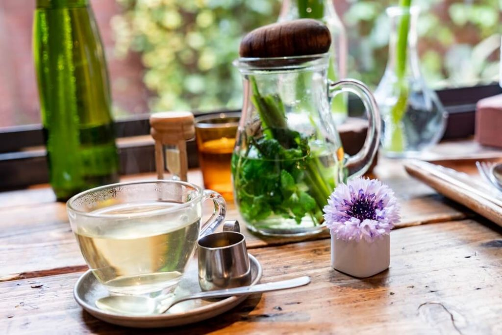Смачні чаї для схуднення: готуємо своїми руками