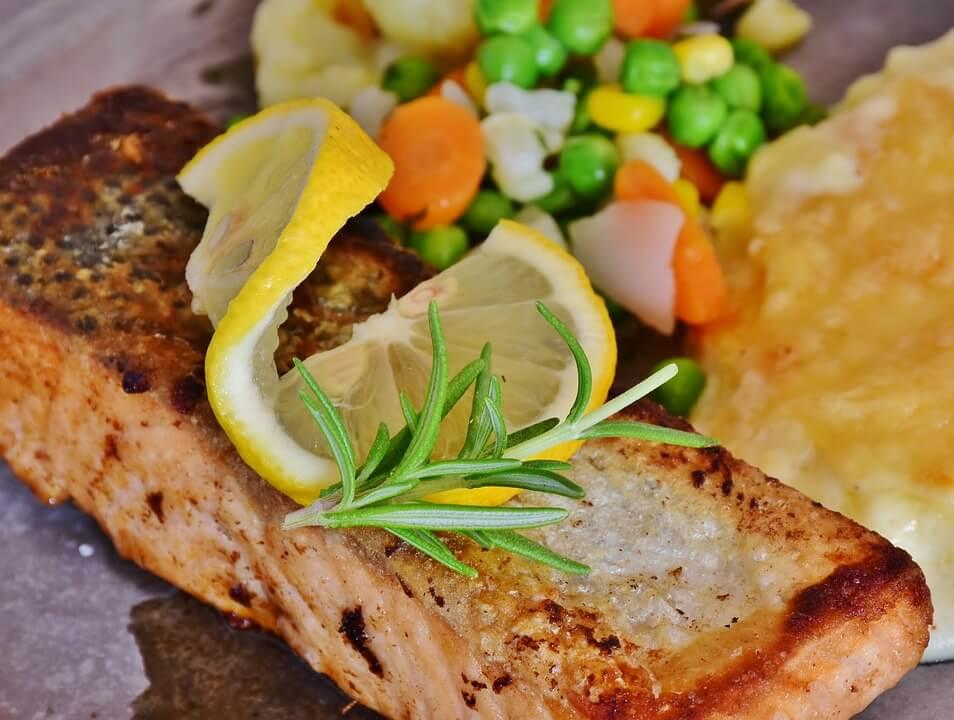 Вечеря за 15 хвилин — лосось в медово-гірчичною заливці