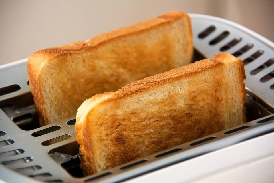Скільки є хліба в день, щоб худнути